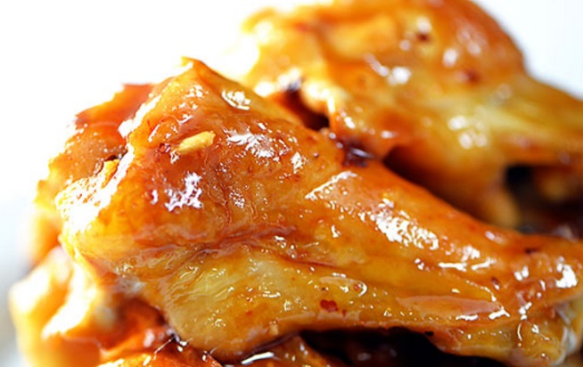 Maple Syrup-Glazed Chicken Wings
