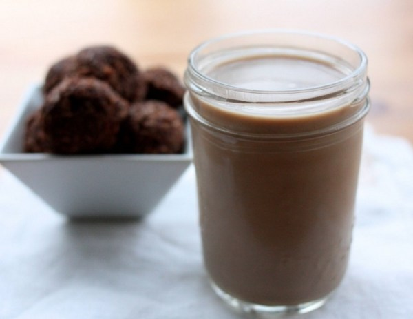 Chocolate Maca Almond Milk