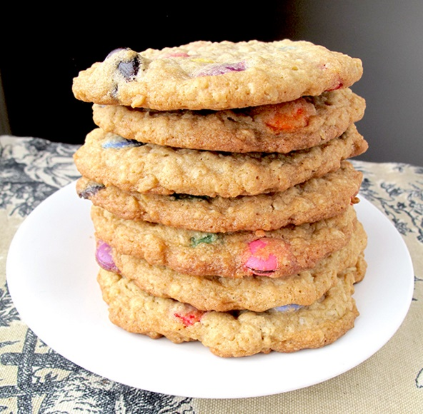 Nestle: Smarties Oatmeal Cookies