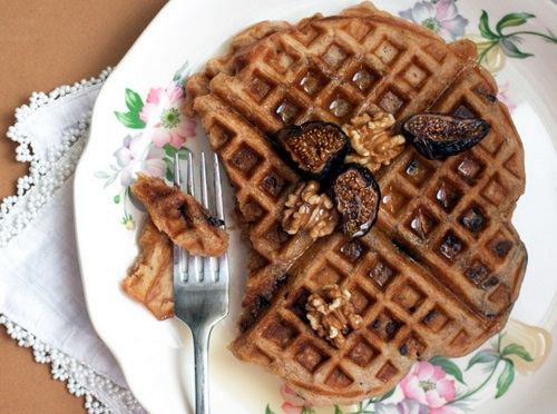 Cinnamon & Fig Oatmeal Nut Waffles