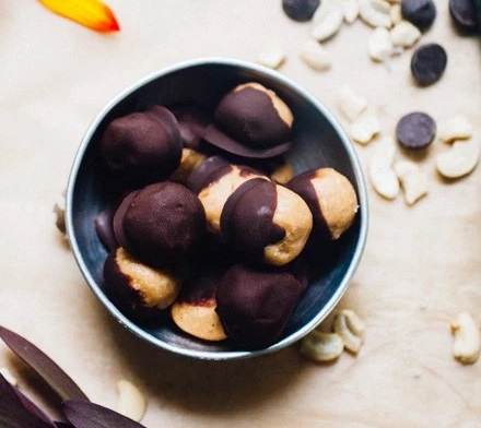 Toasted Cashew Butter Truffles