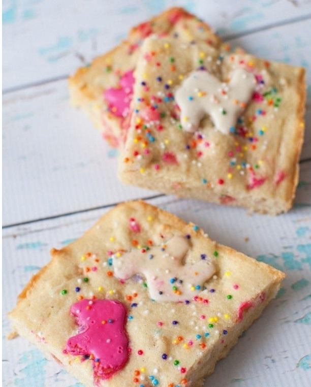Animal Cracker Blondies