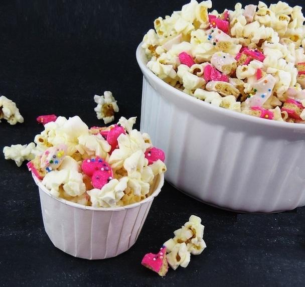 Animal Cracker Popcorn