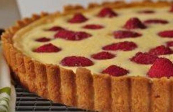 Raspberry Cream Cheese Tart