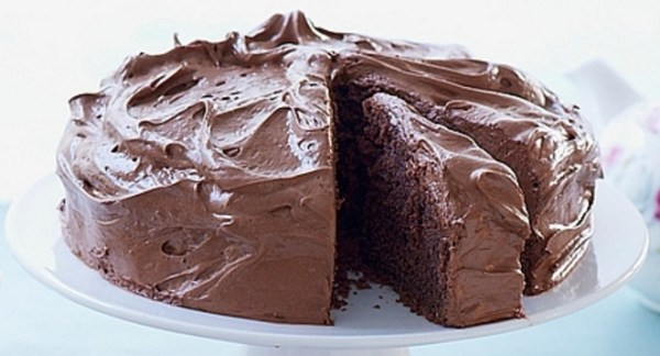 Chocolate Cake with Mousse Icing