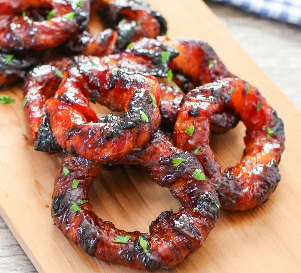 Top 10 Classic and Alternative Recipes For Onion Rings