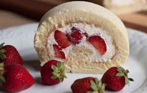 Strawberry & Cream Roll Cake