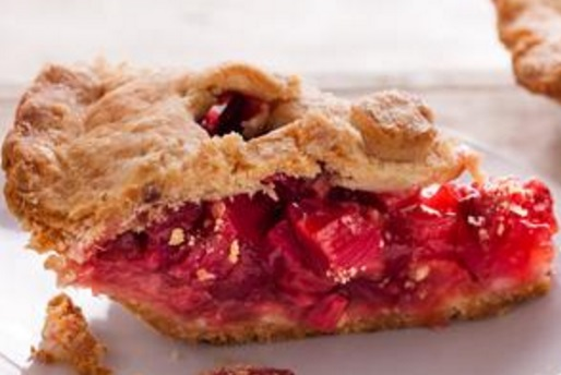 Strawberry & Rhubarb Pie With Sour Cream Crust