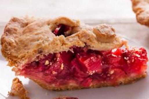 Strawberry & Rhubarb Pie With Sour Cream Crust