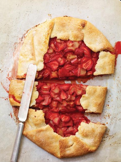 Rustic Strawberry & Rhubarb Pie