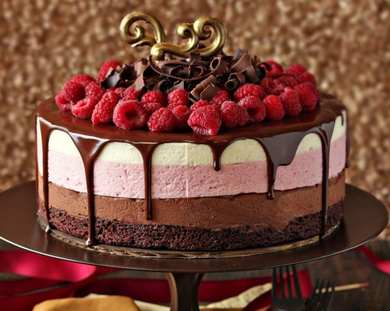 Chocolate & Raspberry Mousse Cake