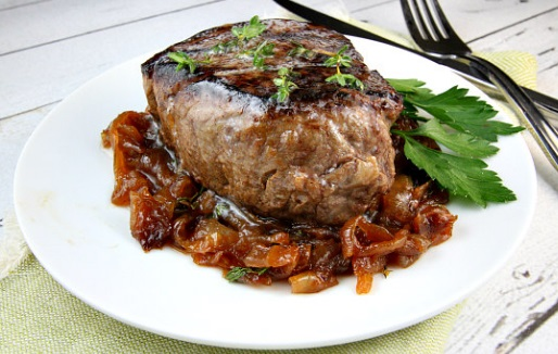 Filet Mignon With Marsala Caramelized Onions