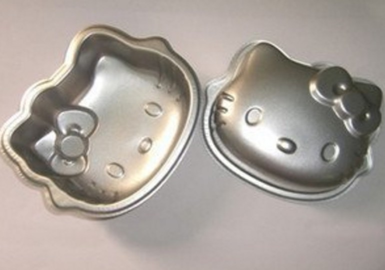 Hello Kitty Cake Pan