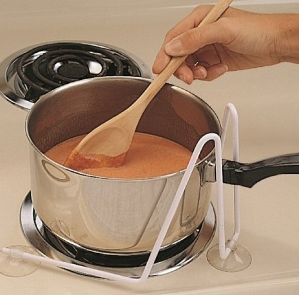 Safer Cooking Sauce Pan Holder