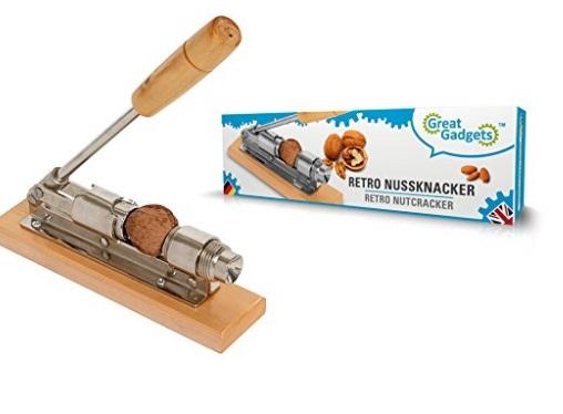 Retro Style Nutcrackers by GreatGadgets