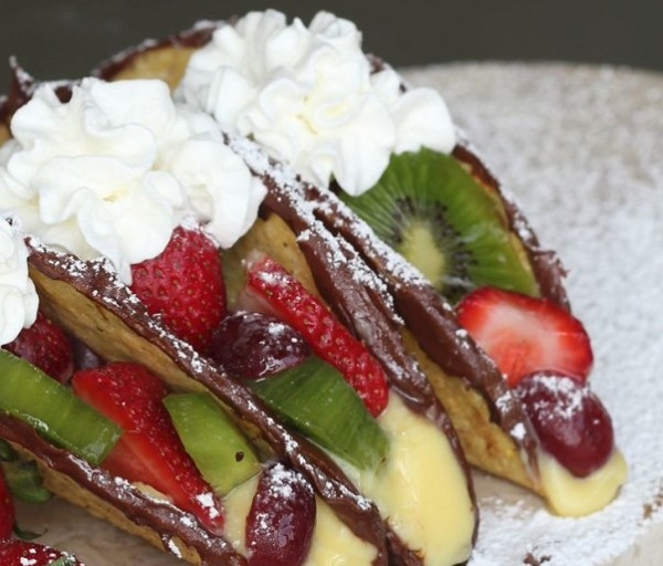 Nutella And Fruit Dessert Tacos