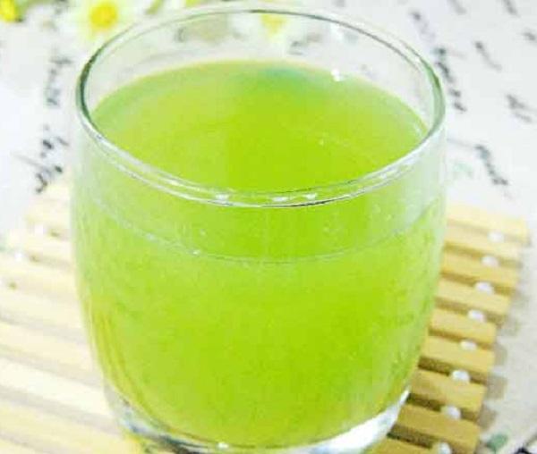 Apple Celery Detox Drink