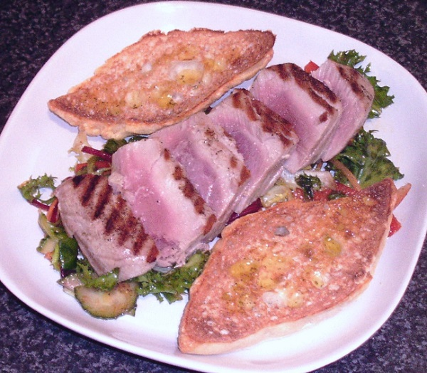 Griddled Tuna Salad with Bruschetta