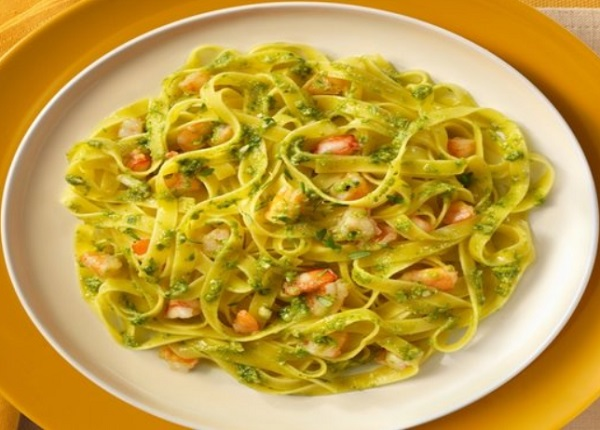 Green Pesto and Prawns Tagliatelle