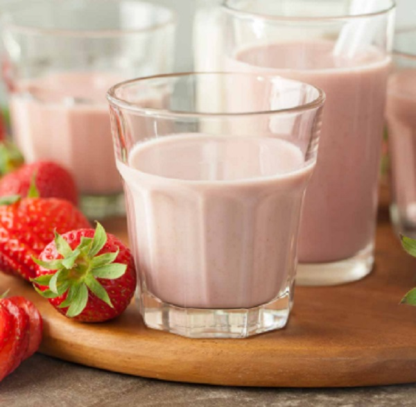 Strawberry Cashew Chia Milk