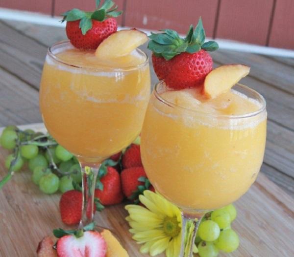 Peach Moscato Wine Slushie