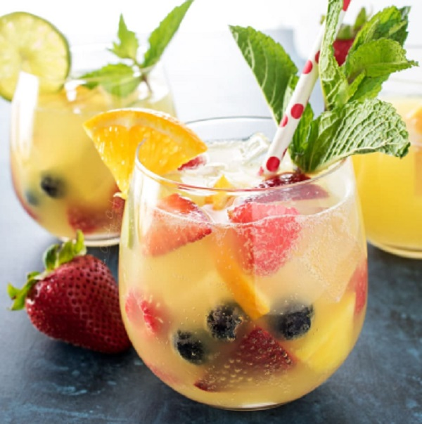 Fizzy Pineapple Punch