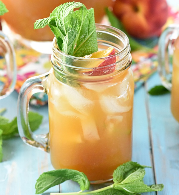 Non-Alcoholic Minty Peach Tea Punch