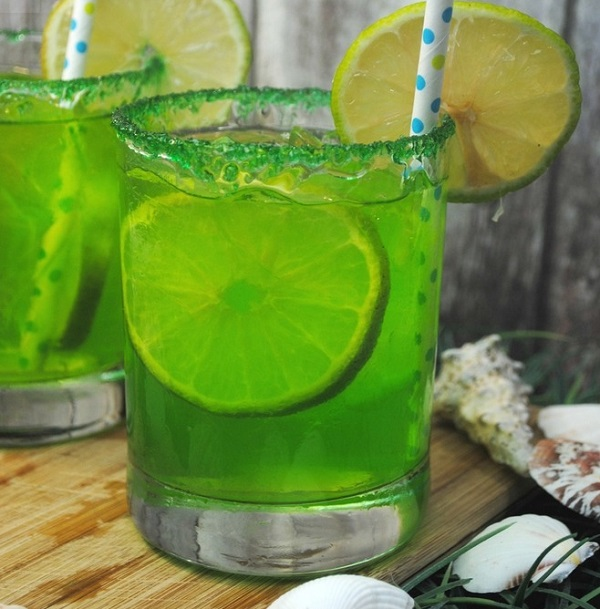 Non-Alcoholic Mermaid Punch Mocktails