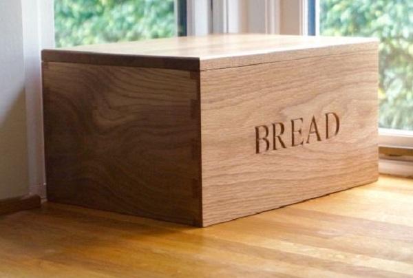Classic Wooden Bread Bin