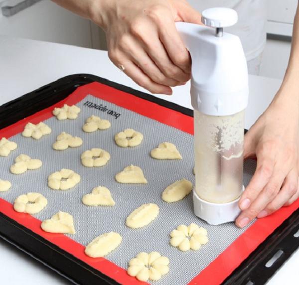 12 Shape Cookie Mould