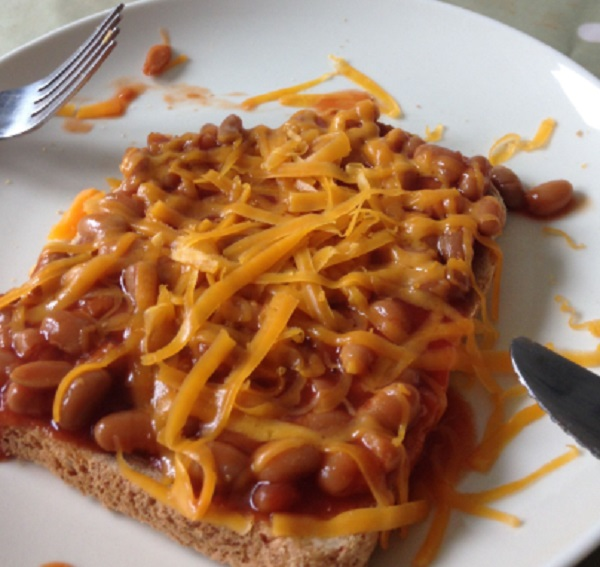 Beans on Toast With Melted Cheese