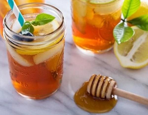 Spicy Manuka Honey Rye Cocktail