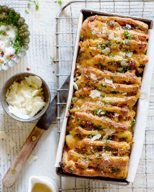 Thanksgiving Leftover Pull-Apart Bread