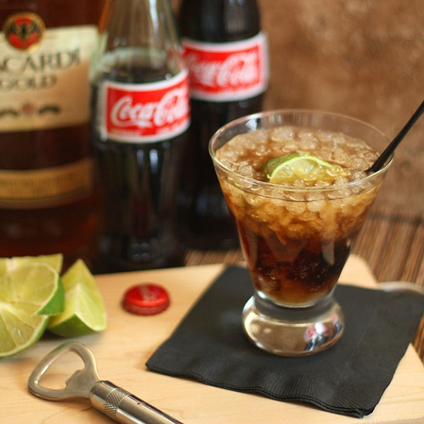 Cuba Libre Coca-Cola Cocktail