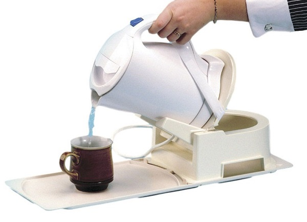 Derby Kettle & Teapot Tipper with Stabiliser Base