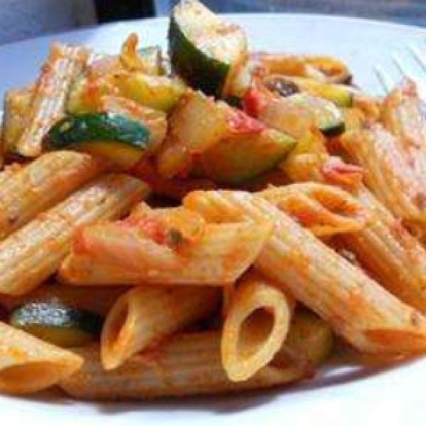 Paprika and Zucchini Pasta