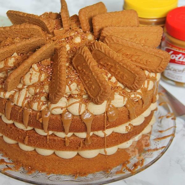 Lotus Biscoff Biscuit Cake