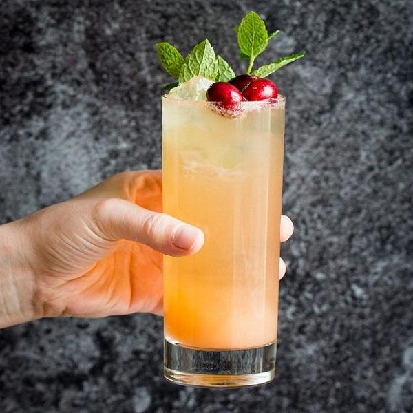 Grapefruit Ginger Spritzer