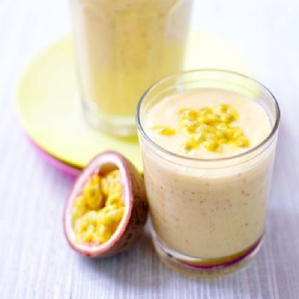 Creamy Mango & Coconut Smoothie