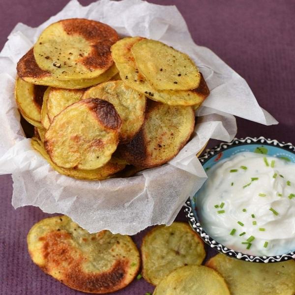 Homemade Garlic Crisps (Chips)