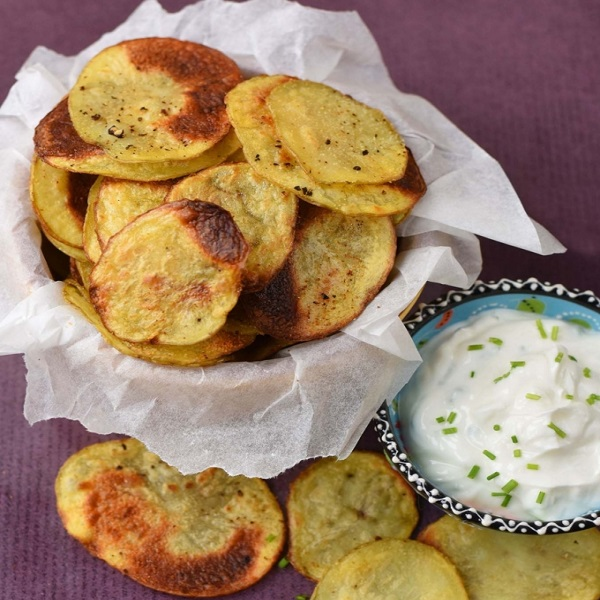 Homemade Garlic Crisps (Chips)