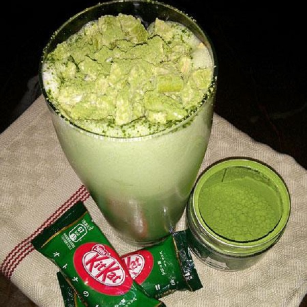 Matcha Green Tea Japanese Kit-Kat Milkshake