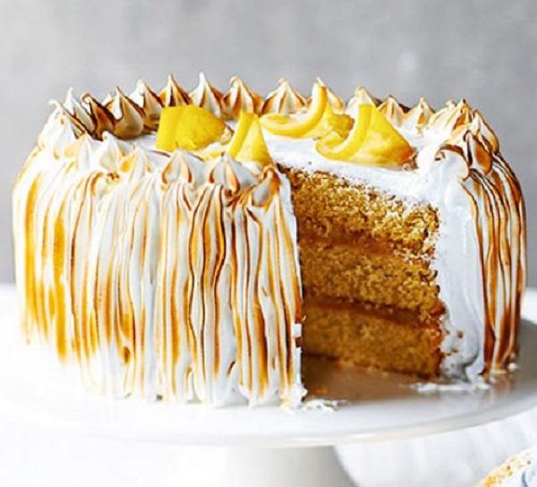 Classic Lemon Meringue Cake