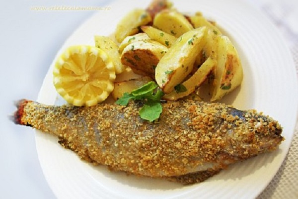 Moldovan Pește (Caras) Prăjit (Fried Fish)