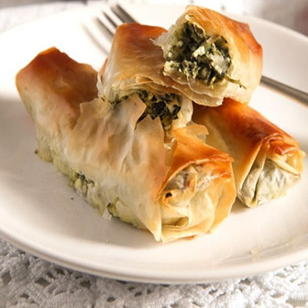 Traditional Albanian Börek (Spinach Rolls with Feta)