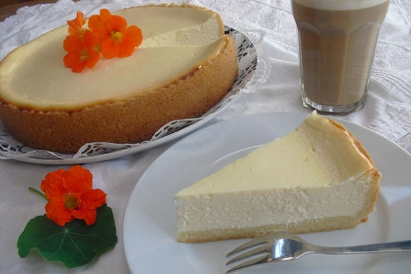Traditional Luxembourg Keiskuch (Cheese Cake)