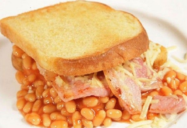 Ten Meal Ideas You Can Make With a Single Tin of Baked Beans