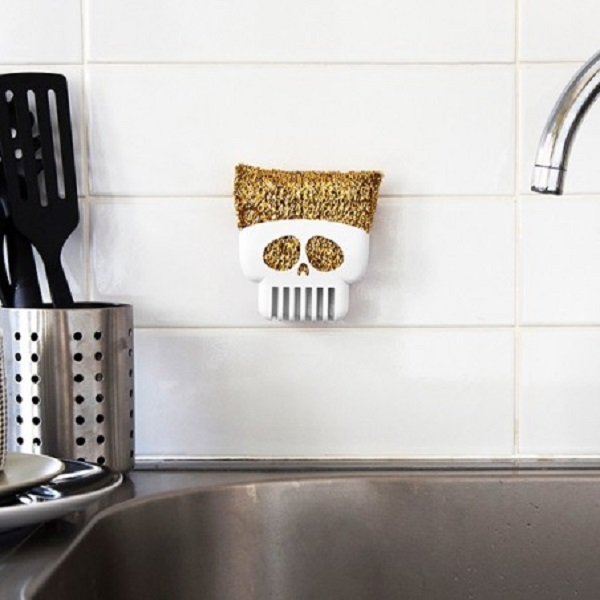 Brain Drain Skull Sponge holder by Peleg Design
