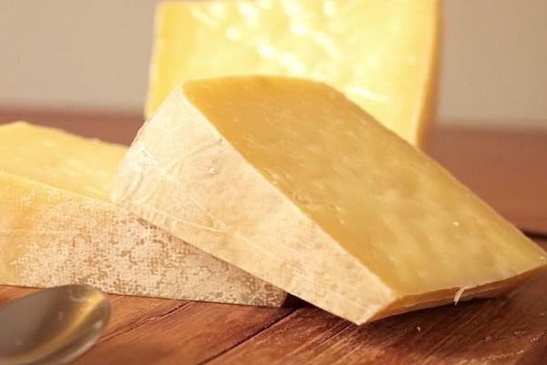 Cheese - 1,002 IU Per 100 Grams