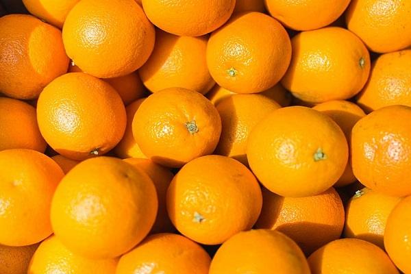 Oranges (53.2 mg - per 100 Grams)